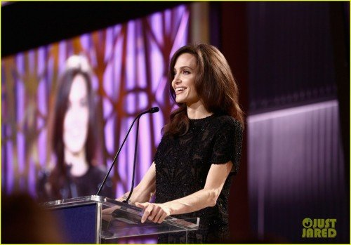 angelina-jolie-thr-event-02[1]