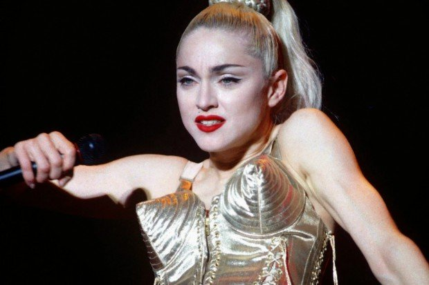 http://www.starslife.ru/wp-content/uploads/2018/09/blond_ambition_world_tour_1990_3003_x_2000_2_mb-620x413.jpg