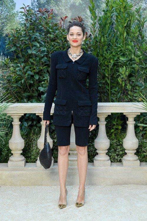 Chanel : Photocall - Paris Fashion Week - Haute Couture Spring Summer 2019