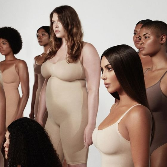 Ким Кардашьян переименовала свою дебютную коллекцию нижнего белья