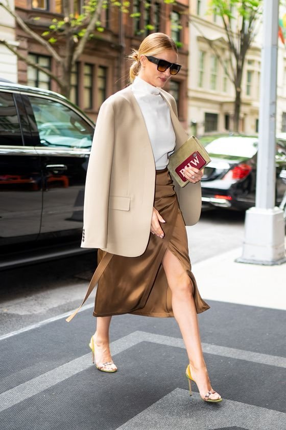 NEW YORK, NEW YORK - MAY 01: Rosie Huntington-Whiteley is seen in the Upper East Side on May 01, 2019 in New York City. (Photo by Gotham/GC Images)