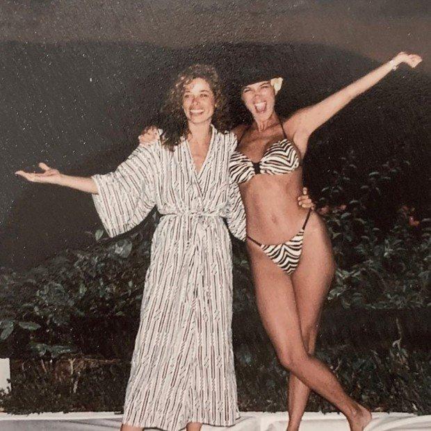Крис Дженнер – супербомба в бикини 1987 года, выглядит также как и Ким Кардашьян сейчас