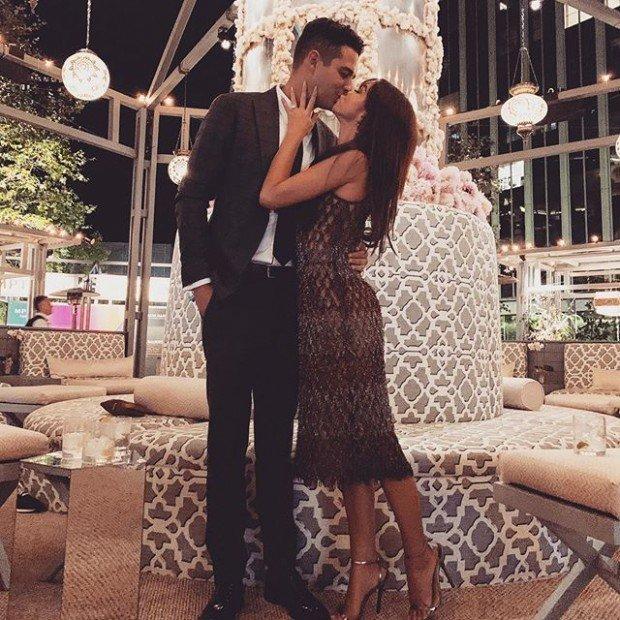 Сара Хайленд пригласила Ванессу Хадженс стать подружкой невесты