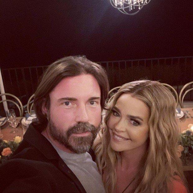 Дениз Ричардс, несмотря на трудности, очень счастлива с мужем Аароном Фиперсом